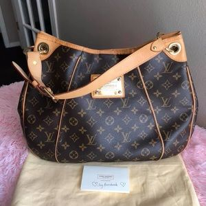 Authentic Louis Vuitton Galleria Pm shoulder bag